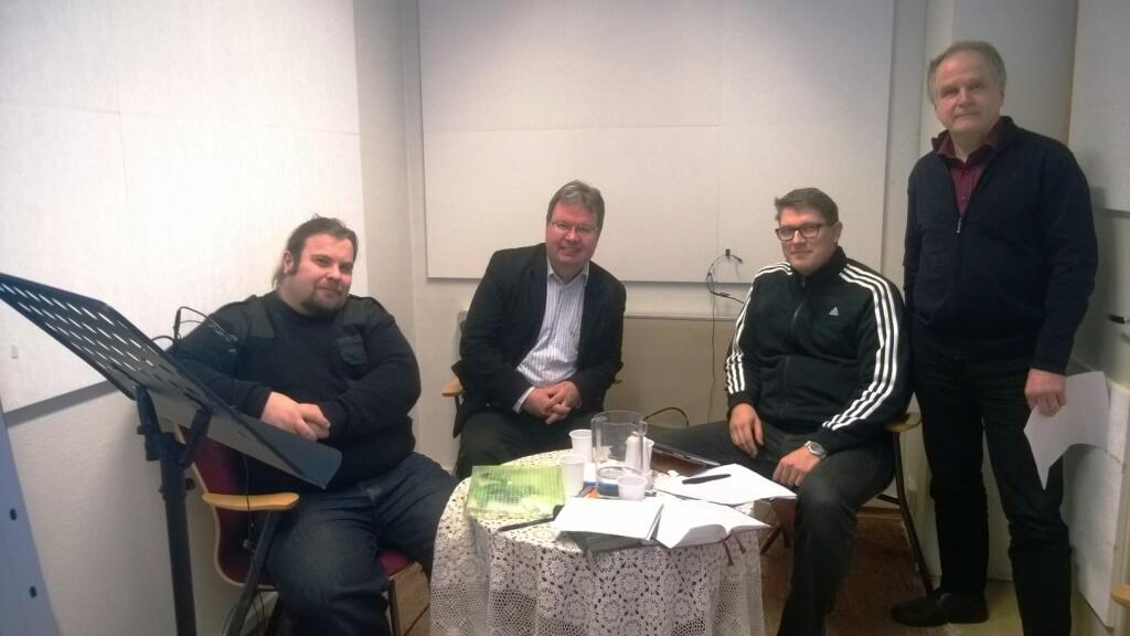 Raamattubuffet -äänityksessä tällä kertaa Tode Jurvanen, Mika Tuovinen, Veijo Olli ja Tapani Kaitainen.