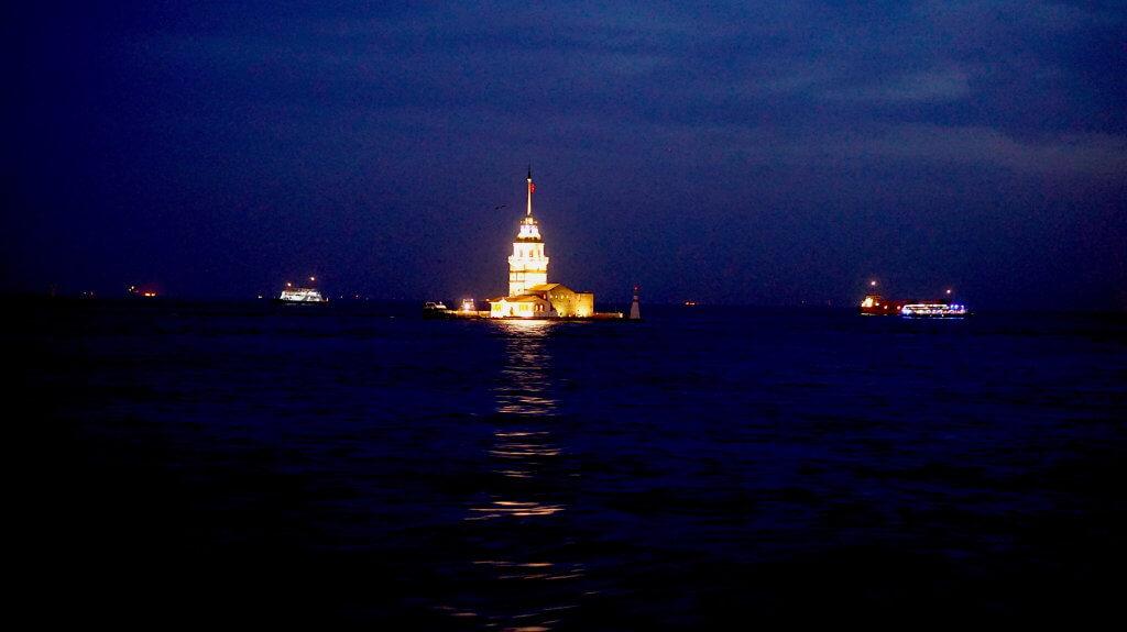 Istanbul_neidon torni