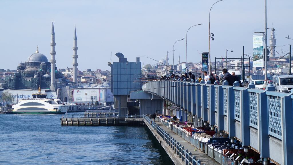 Istanbul_uusimoskeija_galatansilta